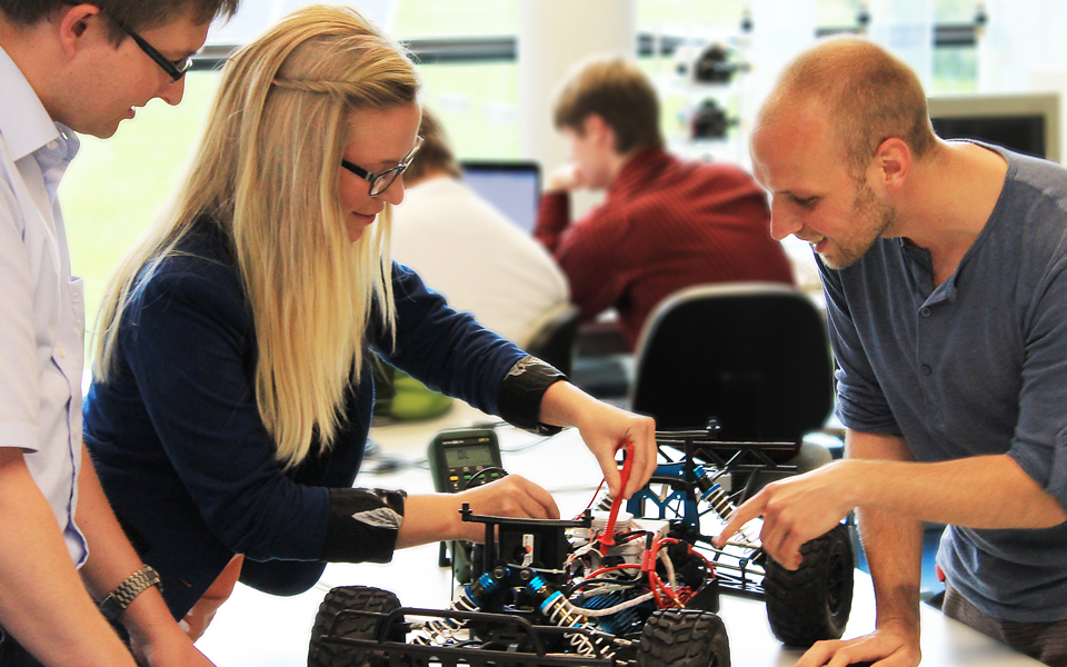 Elektrotechnik studium vollzeitstudium an moderner for Elektrotechnik studium